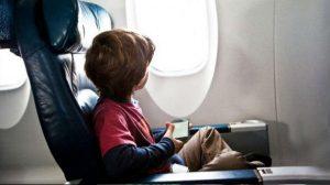 Viajar en avión con menores de edad